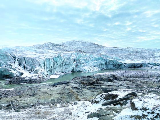녹아내리던 빙하, 이젠 무너져내린다