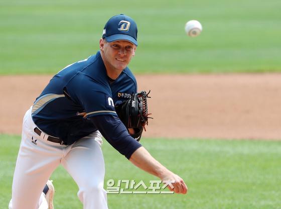 23일 창원 삼성전에서 시즌 16승째를 올린 NC 외국인 투수 드류 루친스키. NC 제공