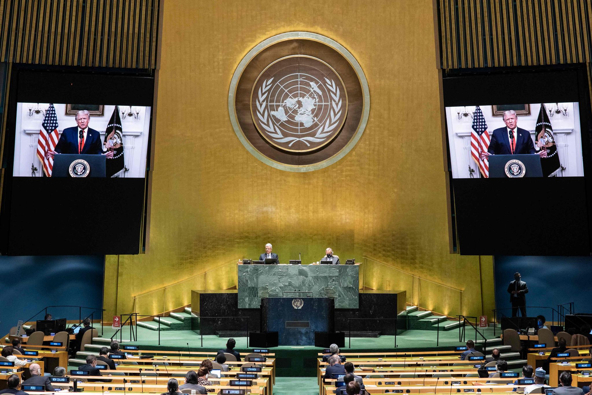 미국 뉴욕에서 열린 제75차 유엔총회에서 도널드 트럼프 미국 대통령의 화상연설이 진행되고 있다. AFP=연합뉴스