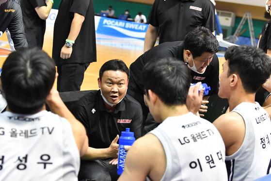 조성원 감독이 이끄는 LG가 공격의 팀으로 변신했다. [연합뉴스]