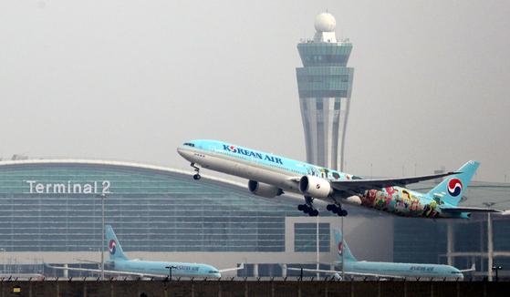 이륙하는 대한항공 항공기 모습. 연합뉴스
