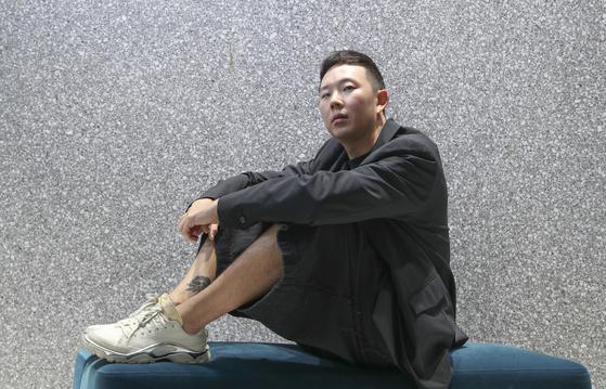 """런던패션위크 데뷔한 디자이너 이재형 옷은 가장무도회의 가면이다"""""""