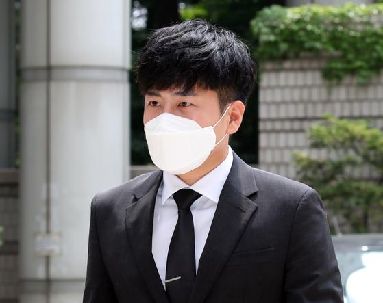 가수 고(故) 구하라의 친오빠 구호인씨가 지난 7월 최종범씨 항소심에 출석하던 모습. [연합뉴스]