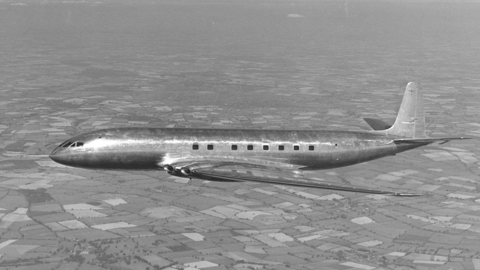 최초의 제트여객기 카미트는 창문이 네모 형태다. [사진 한국공항공사]
