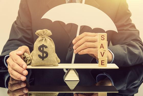 내가 다니는 회사, 또는 연금을 맡긴 금융회사가 망해도 대부분의 경우 퇴직금은 안전하게 지킬 수 있다. 셔터스톡