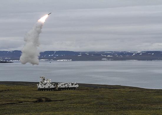 북극권 지역에서 지대공미사일 발사 훈련중인 러시아군 [러시아 국방부]