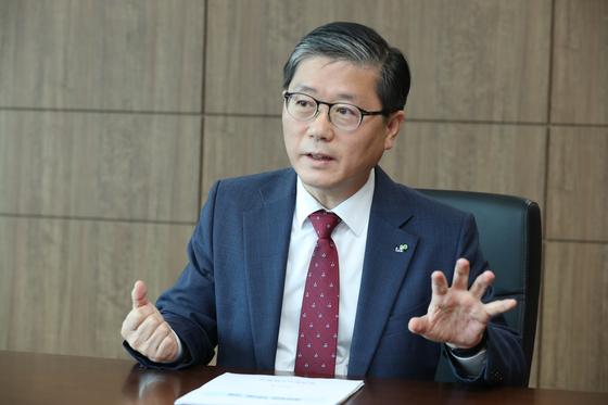 """변창흠 LH 사장은 '조성 원가가 높아져 3기 신도시의 분양가가 로또로 불릴 정도로 낮지는 않을 것""""이라며 '그래도 서울 도심 좋은 아파트보다 30% 이상 저렴할 듯하다""""고 말했다. [사진 LH]"""