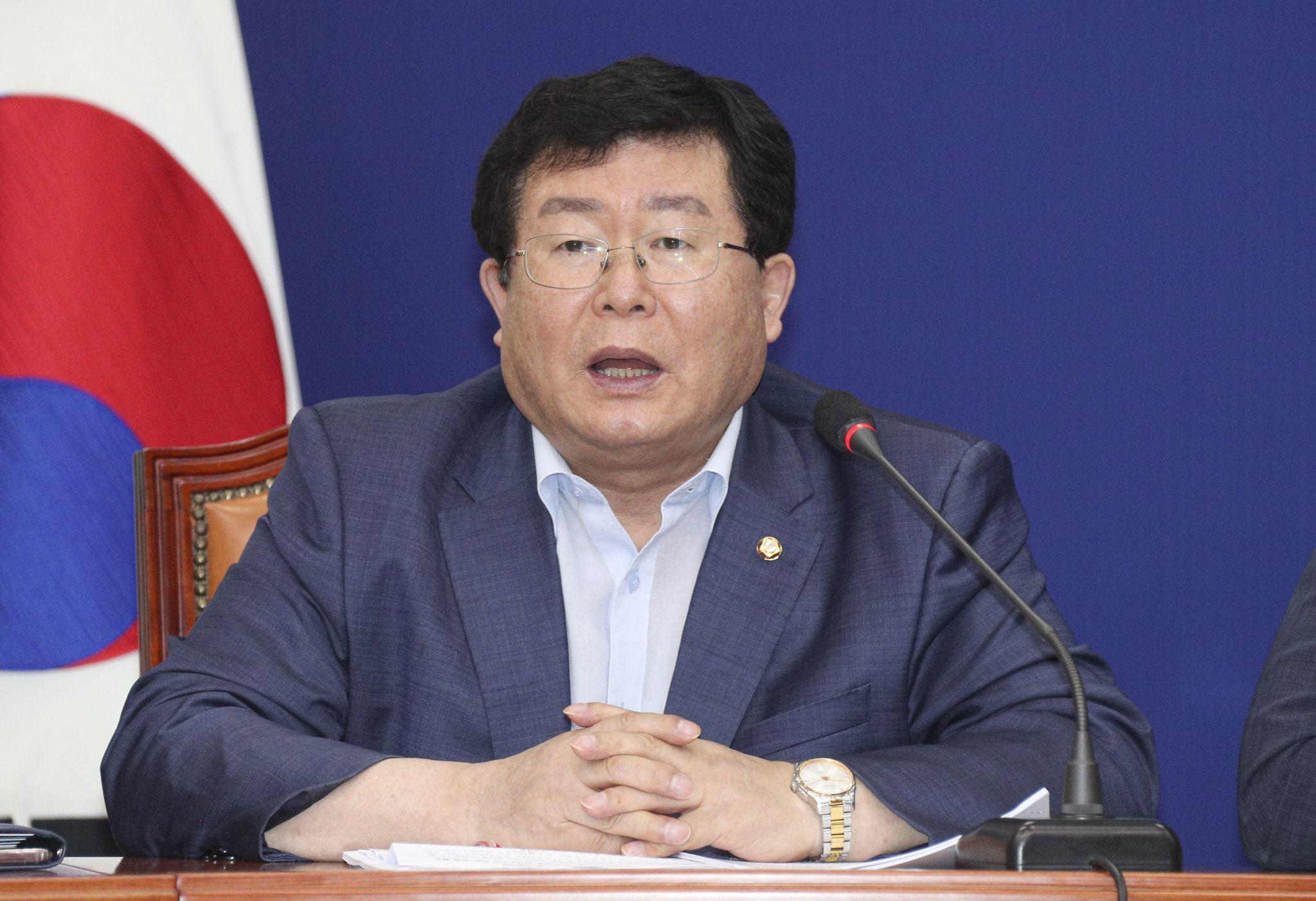 설훈 더불어민주당 의원. 임현동 기자