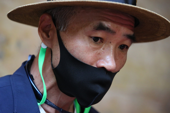북한의 총격으로 사망한 해양수산부 공무원의 형인 이래진씨. 연합뉴스