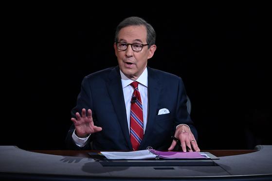 29일(현지시간) 미국 대선의 첫 TV토론의 진행은 크리스 월러스 폭스뉴스 앵커가 맡았다. 그는 2016년 대선 당시에도 3차 토론을 진행했다. [AP=연합뉴스]