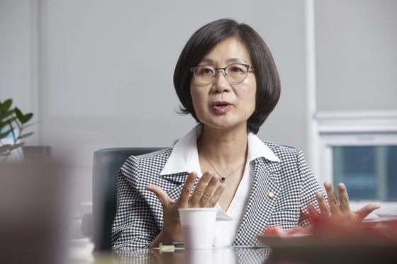권인숙 더불어민주당 의원. [중앙포토]