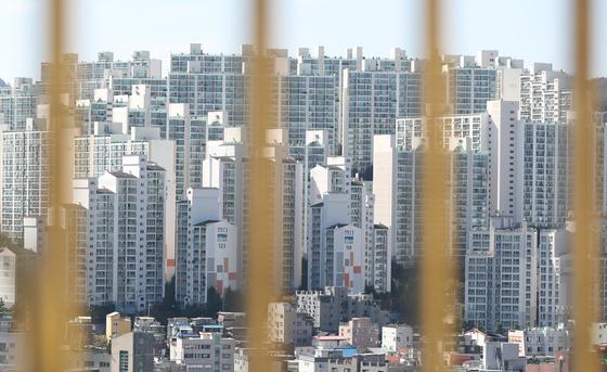 지난 6일 서울 강북의 한 아파트 단지. 뉴스1