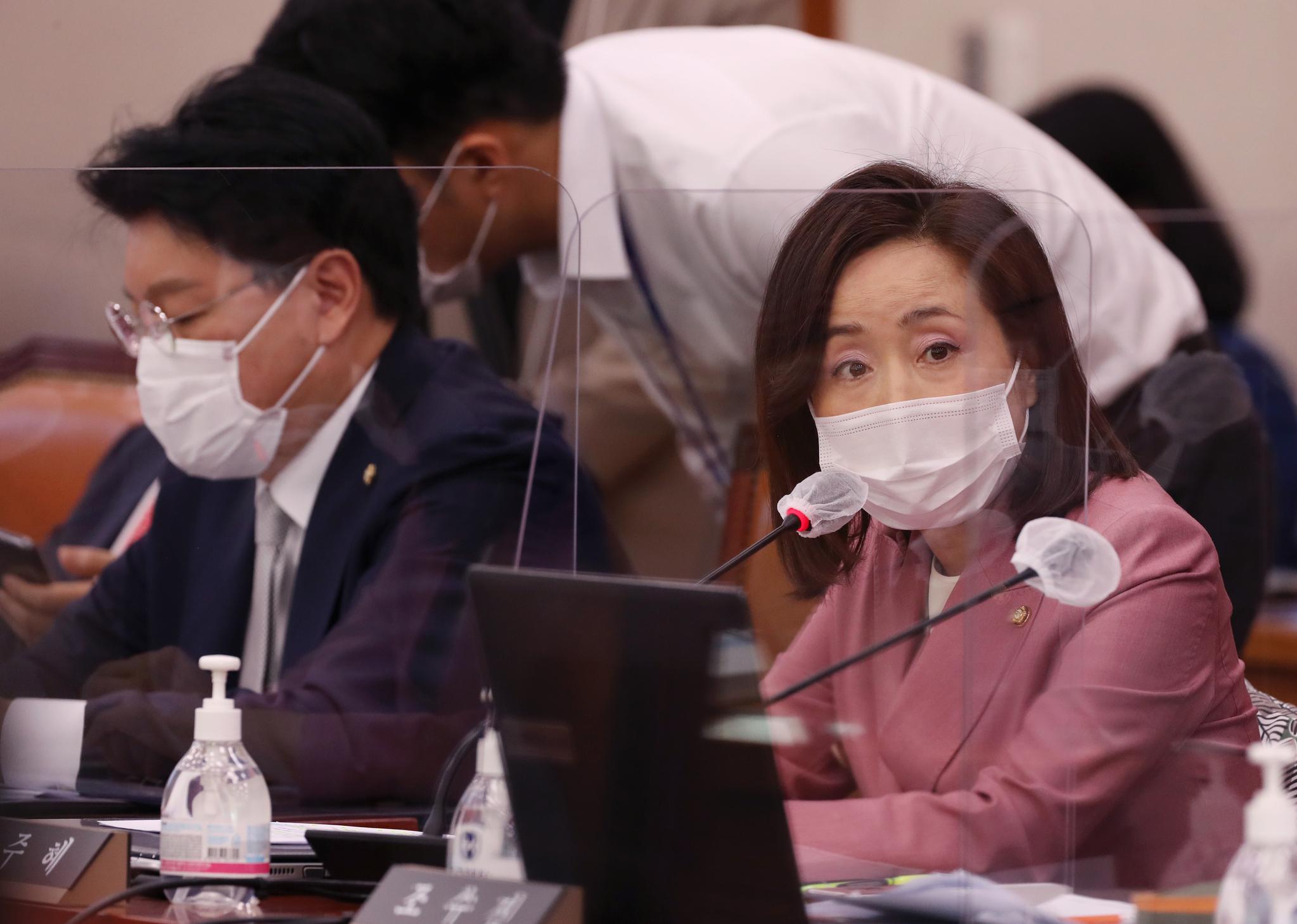 전주혜 국민의힘 의원(오른쪽). 뉴스1