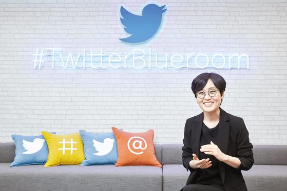 김연정 상무는 케이팝 성장 과정에서 트위터는 팬덤과 아티스트 사이의 가교였다며 트위터가 계속 역할을 했으면 좋겠다고 말했다. 프리랜서 조인기