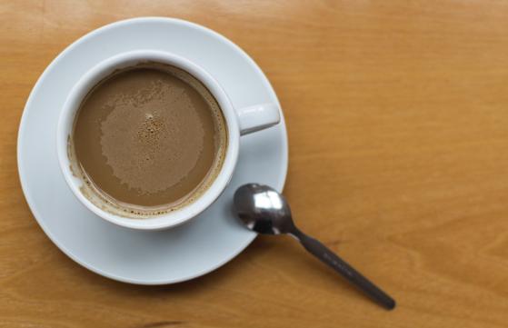 커피를 좋아하시는 아버지는 진한 커피믹스를 하루 2~3잔씩 드셨는데, 당뇨약을 드시면서 한 잔으로 줄였고, 뇌졸중 발생 후 디카페인으로 바꿨다. [사진 libreshot]