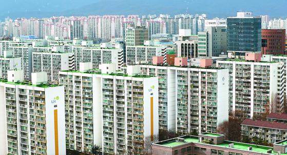 12일 오후 서울 노원구 일대의 아파트 단지 모습. 연합뉴스