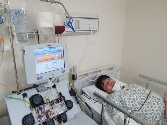 조혈모세포 채집을 위해 지난달 서울의 한 대학병원에 입원 중인 민경일씨.