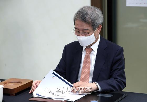 오는 12월 3년의 임기를 마치는 정운찬 KBO 총재. IS포토