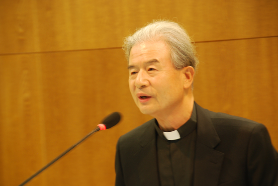 한국천주교주교회의 신임 의장에 수원교구장 이용훈 주교가 선출됐다. 이 의장 주교는 3년간 주교회의를 이끌게 됐다. 백성호 기자