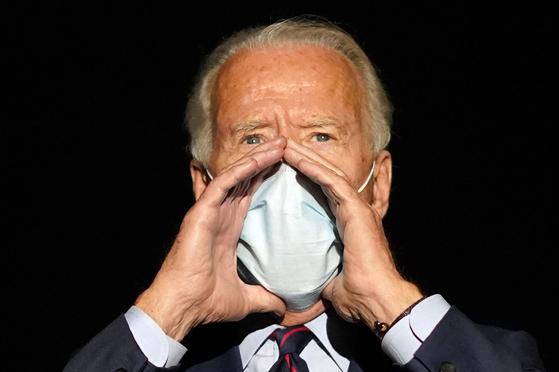 항상 마스크를 착용하는 조 바이든 미국 민주당 대선 후보. [AP=연합뉴스]