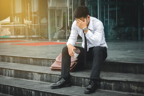 실직으로 일시적으로 소득이 급감한 연체자도 개인워크아웃의 길이 열렸다. 셔터스톡