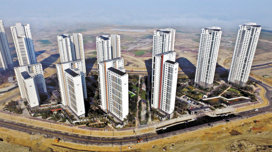 국토교통부의 제로에너지 시범사업에 선정된 국내 첫 에너지효율 '1++' 아파트 힐스테이트 레이크 송도1차 전경.