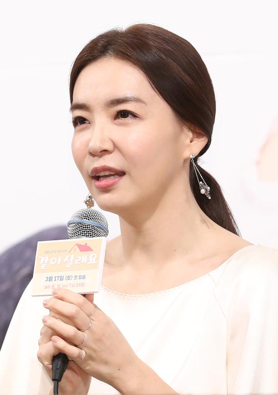 """박선영 """"'식용유 연예인'과 무관…성동구에 산 적도 없어"""""""