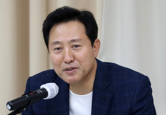 오세훈 전 서울시장이 22일 오후 서울 마포구 현대빌딩에서 열린 더 좋은 세상으로(마포포럼)에서 발언을 하고 있다. 뉴스1