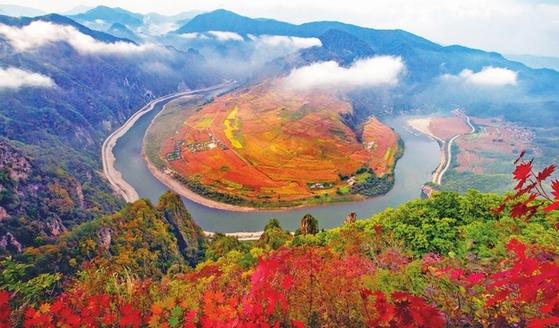 중국 백산시 단풍 절경