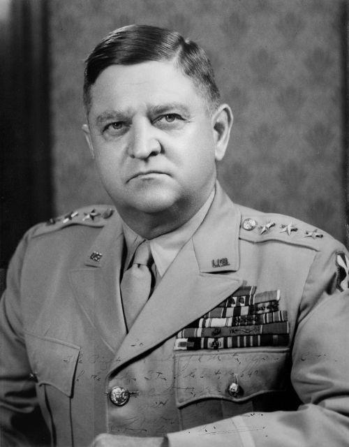 1950년 미 8군 사령관 시절의 월튼 워커 장군. 1950년 한국에서 교통사고로 숨졌다. 사진=미국 육군역사재단