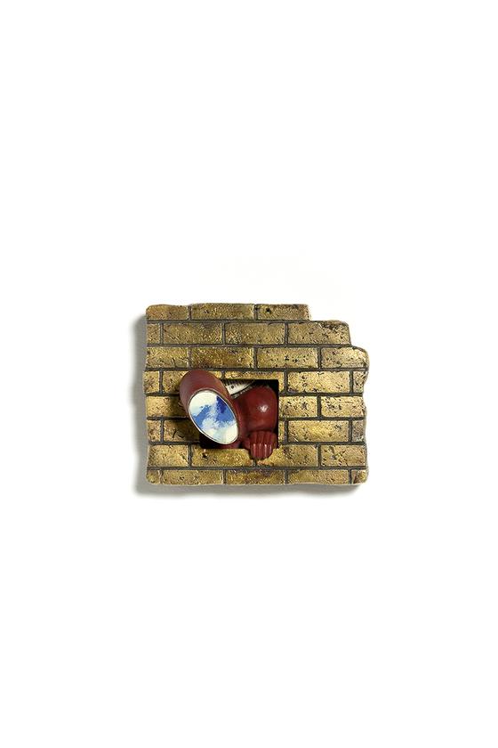 '100개의 브로치' 전시-강연미/ 두 세계 Two Worlds, 92.5은, 동, 칠보, 24k금부, 92.5silver, copper, enamel, 24k keumboo, 7.5x5.6x2.5cm/ 2000