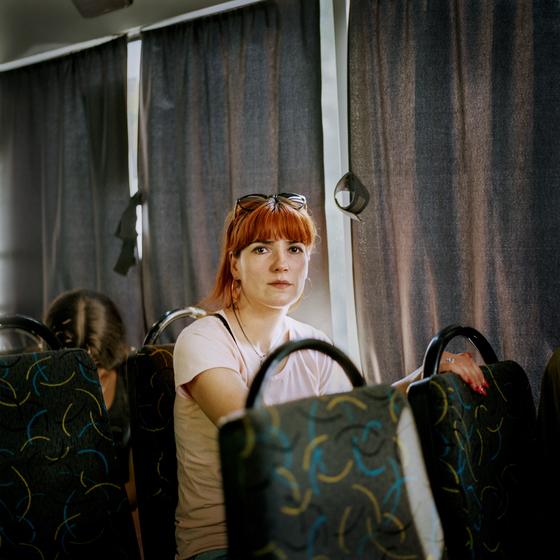 올해 '라이카 오스카 바르낙 어워드' 최종 후보 12명 중 한 명인 아아스타샤 테일러의 작품. ⓒ Anastasia Taylor-Lind_5km from the Frontline