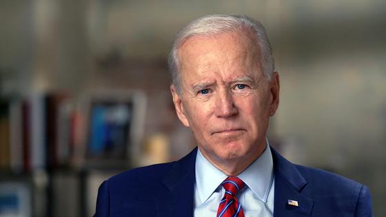 """조 바이든 민주당 대통령 후보는 25 일 (현지 시간) 성명을 내고 """"트럼프 정부가 국민 보호라는 기본적인 의무도 저버린""""고 비판했다. [AP=연합뉴스]"""