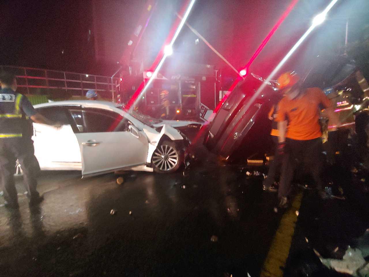 지난 9월 목포에서 무면허 고교생이 운전하던 렌터카가 승용차와 충돌해 3명이 숨졌다. [뉴스1]