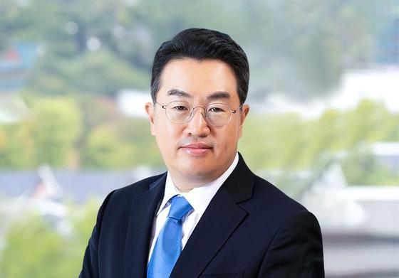 쿠팡의 경영관리 총괄 대표이사로 영입된 강한승 김앤장 변호사.