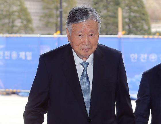 4300억원대 횡령 및 배임 혐의로 재판에 넘겨진 이중근 부영그룹 회장. [뉴스1]
