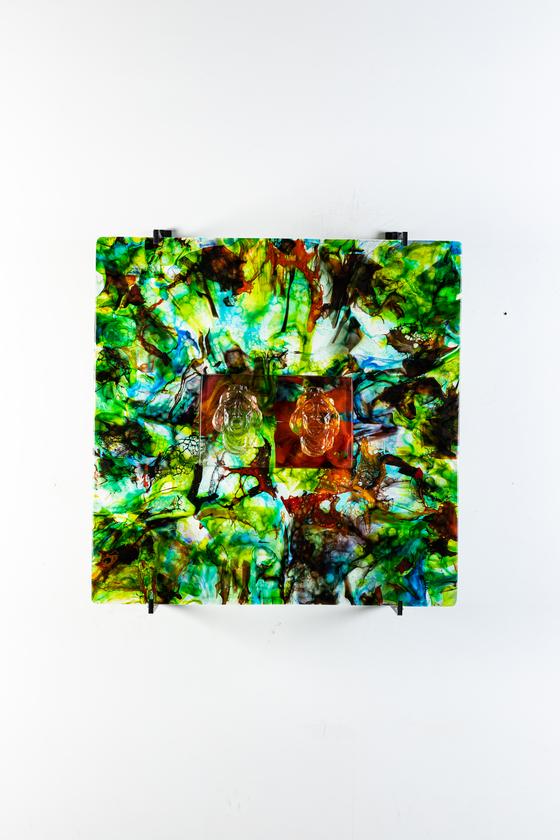 유리 작가 김정석의 '색-공' 개인전. 色-空 2020-7, 60x60x4cm, glass, 2020