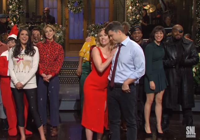 스칼렛 요한슨과 콜린 조스트가 2019년 12월 SNL에 출연한 모습. 사진 SNL 캡처