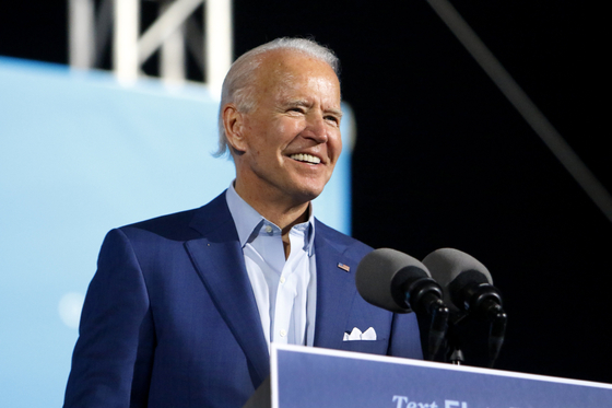 미국 대선에 출마한 민주당 대선 후보 조 바이든 전 부통령이 29일 플로리다에서 유세하고 있다. [AP=연합뉴스]