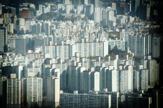 2일 서울 영등포구 63스퀘어에서 바라본 서울 시내 아파트 모습. 연합뉴스