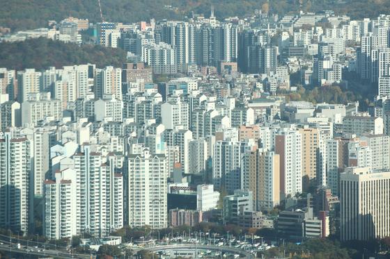영등포구 63스퀘어에서 바라본 서울 시내 아파트 모습. 연합뉴스