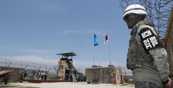 'DMZ 평화의 길' 화살머리고지의 비상주 GP. 해당 기사는 사진과 직접적인 연관 없음. [사진공동취재단]