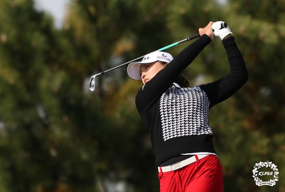 하나금융그룹 챔피언십 첫날 공동 선두로 나선 여자 골프 세계 1위 고진영. [사진 KLPGA]