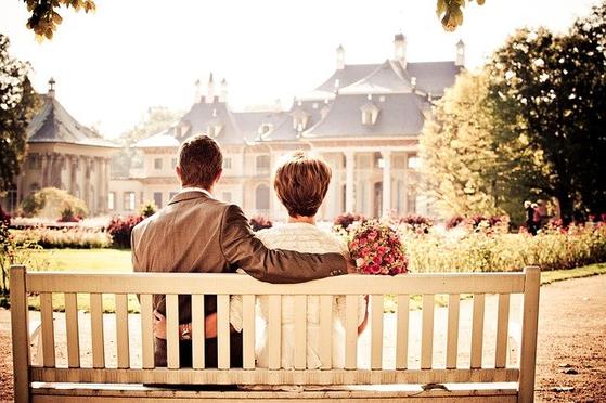 """""""남편과 아내가 하나둘 호흡을 맞춰 같이 뛰어야 하는데 각각 뛰면 한명이 넘어지게 됩니다. 둘 중 누구도 앞으로 나갈 수 없죠. 그게 결혼 생활입니다."""" [사진 pixabay]"""