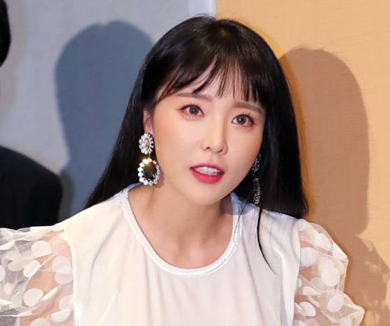 가수 홍진영. 일간스포츠