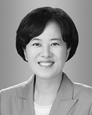추미애 법무부 장관이 공수처장 후보로 추천한 전현정 변호사. [법무법인 케이씨엘 홈페이지]