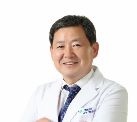 지난 1997년 국내에서 처음 '정자은행'을 설립한 박남철 부산대 의대 교수겸 한국공공정자은행연구원 이사장. [연합뉴스]