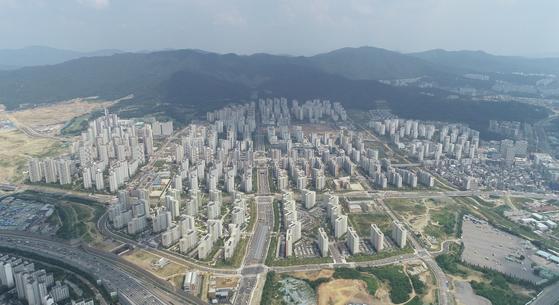 개발이 끝나가는 위례신도시. 서울 송파구권역에서 공공분양 1700가구가 나온다.