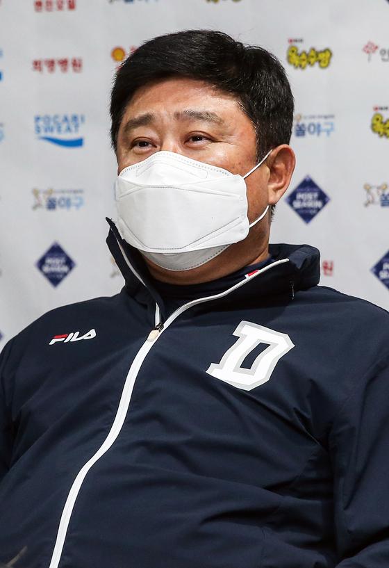 4차전 '패장' 김태형 감독이 5차전 설욕 의지를 전했다.
