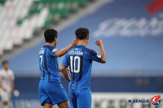 울산이 상하이를 꺾고 조별리그 선두로 나섰다. 한국프로축구연맹 제공